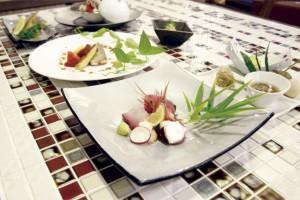 ディナーの会席料理写真
