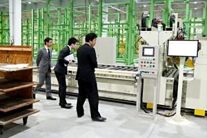 プレウォールパネルを作る機械