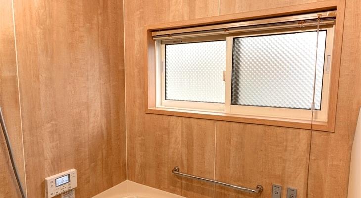 お風呂場の窓の目隠しに使えるペアガラス