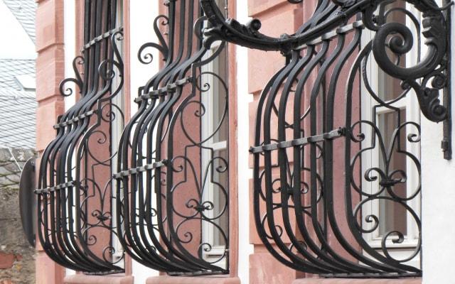 鋳物のエクステリア、窓格子