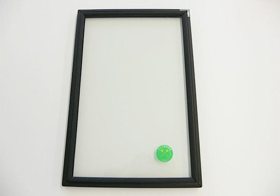 ゴムパッキン付きのガラス