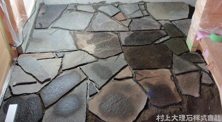 安山岩(諏訪鉄平石)の乱張り