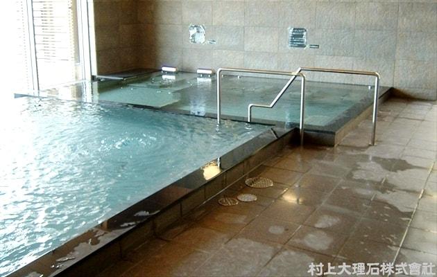 お風呂の縁石-min
