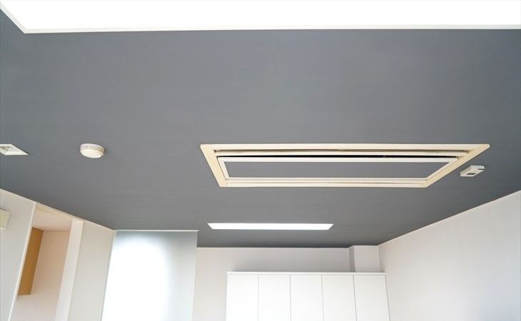 天井のペンキ塗りの完成
